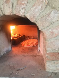 Traditional full size pizza oven