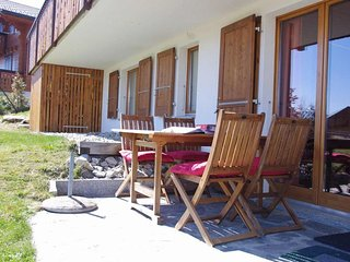 Two-bedroom apartment with private garden, Leysin