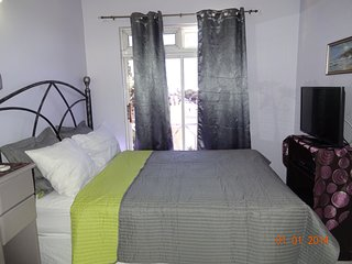 Vacation Apartment Near New Kingston