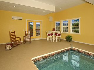 A KING'S PARADISE IN THE SMOKIES WITH INDOOR POOL AND GORGEOUS VIEWS!