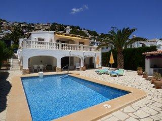 Preciosa Villa con Piscina a 2.5km del Centro, Moraira