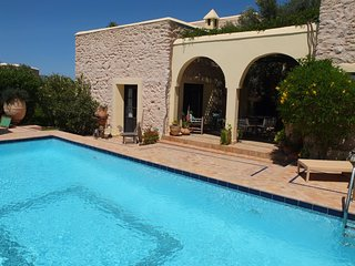 PRIVATE VILLA WITH SWIMMING POOL, Esauira