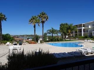 Clube Alvor Ria A fabulous 2 bedroom apartment in front of Alvor's river