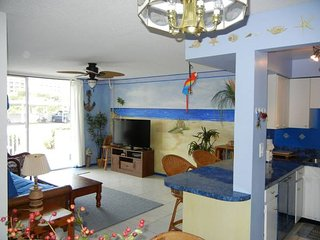 2 Bedroom Ocean Side condo for rent. Cocoa beach, Cocoa Beach