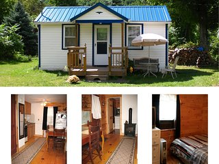 Catskill Bungalow, Cozy Getaway Cabin for 2, Windham