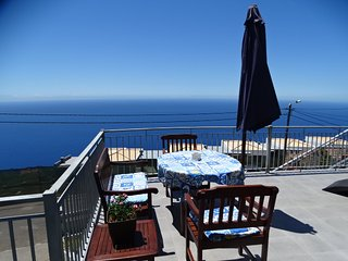 Apartment Goncalves ,views over sea and  mountains, Arco da Calheta