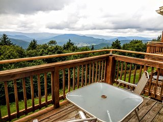 Magnificent Western Views - Across Street From Village - Wi-Fi - Sleeps 8, Snowshoe