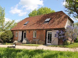 Idyllic 2 bed cottage on farm with cows, sheep, pigs and chickens. Very peaceful