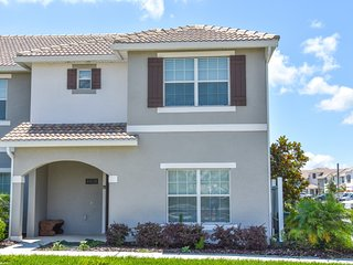 5 Bedr at Storey Lake mins to Disney! Modern decor, Kissimmee