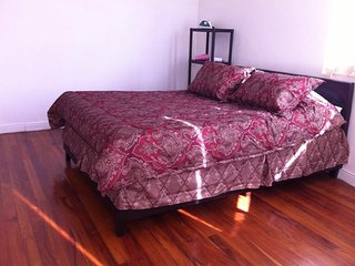 Pura Vida Rooms 4 Rent (Double Room No.1)