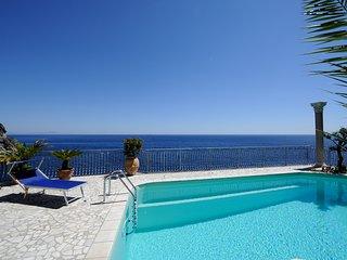 Villa Azzurra, Conca dei Marini
