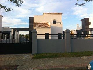 Villa de lujo , tranquila y acogedora., Costa Esuri