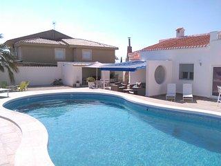 Villa gerenoveerd1/'17 145m2/plot 800m2 privé zwembad,buitenkeuken zicht op meer, Torrevieja