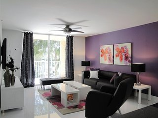 308The Yacht Club Luxury & Comfort Family Vacation, Aventura