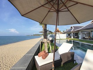 7042 - Beachfront (sleeps 14 + 6 kids) Thai chef service and shared gym