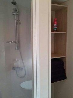 Bathtowels provided