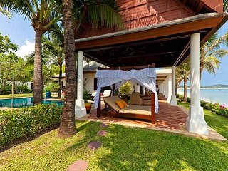 4082 - Beachfront luxury with Thai chef service and shared gym
