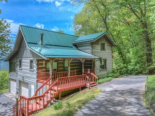 Plott Mountain House-Amazing views at 4,100 feet!!