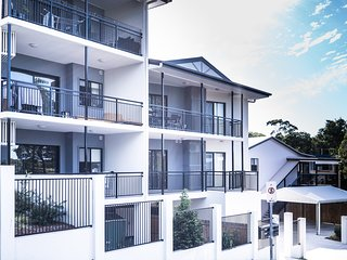 Ashgrove 3 bedroom apartment WIFI