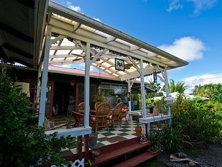 Hale Kawehi Guesthouse in quaint downtown Hilo.  No Cleaning Fee
