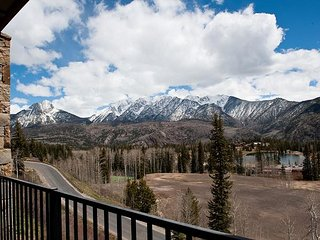 New Luxury Condo Steps to Lifts - Amazing Views - Free Night Offer, Durango