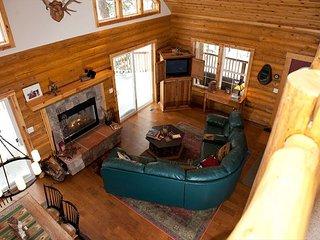 Mountain Log Cabin - on 1 Acre - 2 Miles to Ski - Free Night Offer, Durango