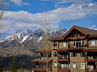 Luxury Condo by Main Plaza - Walk to Slopes - Free Night Offer - Gas Grill, Durango