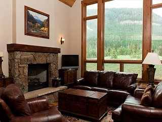 Luxury Home Across from Purg - Great Views - Free Shuttle - Free Night Offer, Durango