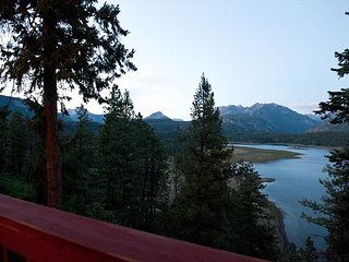 Luxury Home at Electra Lake - Amazing Lake and Mountain Views
