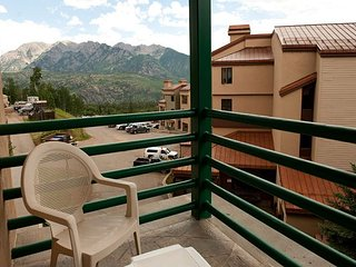 4th Floor Studio - Vews - Deck - Ski in/Ski Out - Affordable, Durango