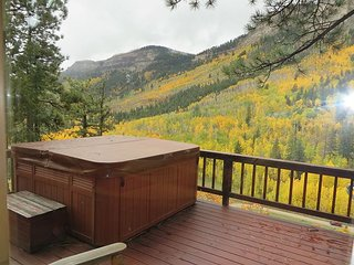 Cliff Side House - Amazing Views - Hot Tub - Free Night Offer, Durango
