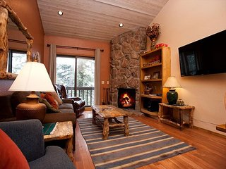 Affordable Southwestern Condo - Heated Pool - Free Ski Shuttle -4th Nite Free