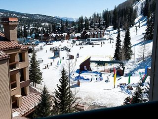 6th Floor Affordable Ski in/Out Condo - Awesome Views