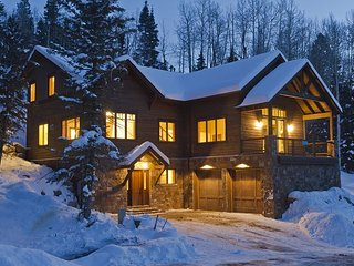 Luxury Home Across from Purgatory with Great Views - Free Night Offer, Durango