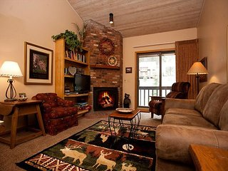 Colorado Condo - Heated Pool - Free Ski Shuttle - 4th Night Free