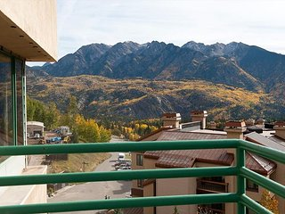 Best Views - 7th Floor Penthouse - Ski in/Ski Out - Free Night Offer, Durango