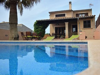 House in the interior of Mallorca. VILLAFRANCA. Air conditioner. Pool. 6 pax. Cl