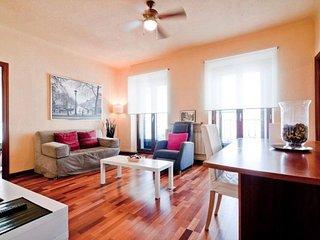 Plaza de la Cebada apartment in Rastro {#has_luxu…