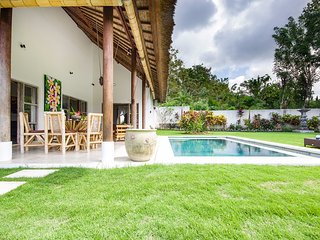 Charming villa - 2 bedrooms - near famous beaches, Ungasan