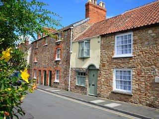 ORIEL Cottage in Wells, Glastonbury