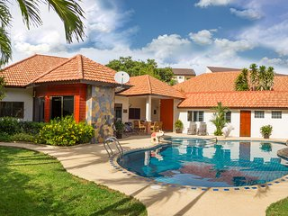 Villa Pattaya Hill with swimming pool, 12 people