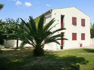 Modern apartment 250m from beach, Saint-Cyr-sur-Mer