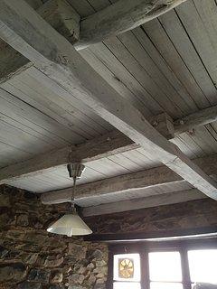 Techos originales de la casa. Vigas, pontones y tablas