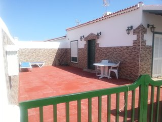 2 Bedroom Bungalow, Abades