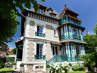 Refinement in the heart of Deauville, Tourgeville
