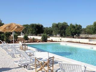 Villa con piscina, San Vito dei Normanni