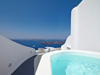 BlueVillas | Ariadne | Private outdoor pool and jacuzzi
