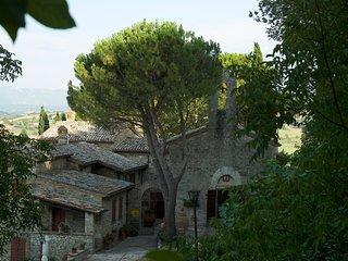 San Valentino 'La Farm House' Abbazia XIII Sec.in esclusiva