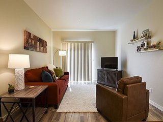Willow Suite - Fresh, Brand New and Inviting! Perfect location to Explore, Arcata