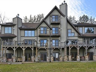 Lake Views, Large Grassy Lawn, Close to Wisp, McHenry